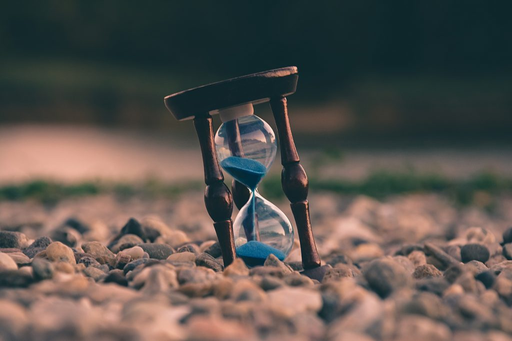 An hour glass to let you know that time flies